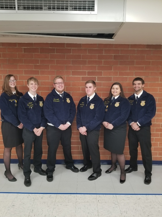 Senior FFA officer team