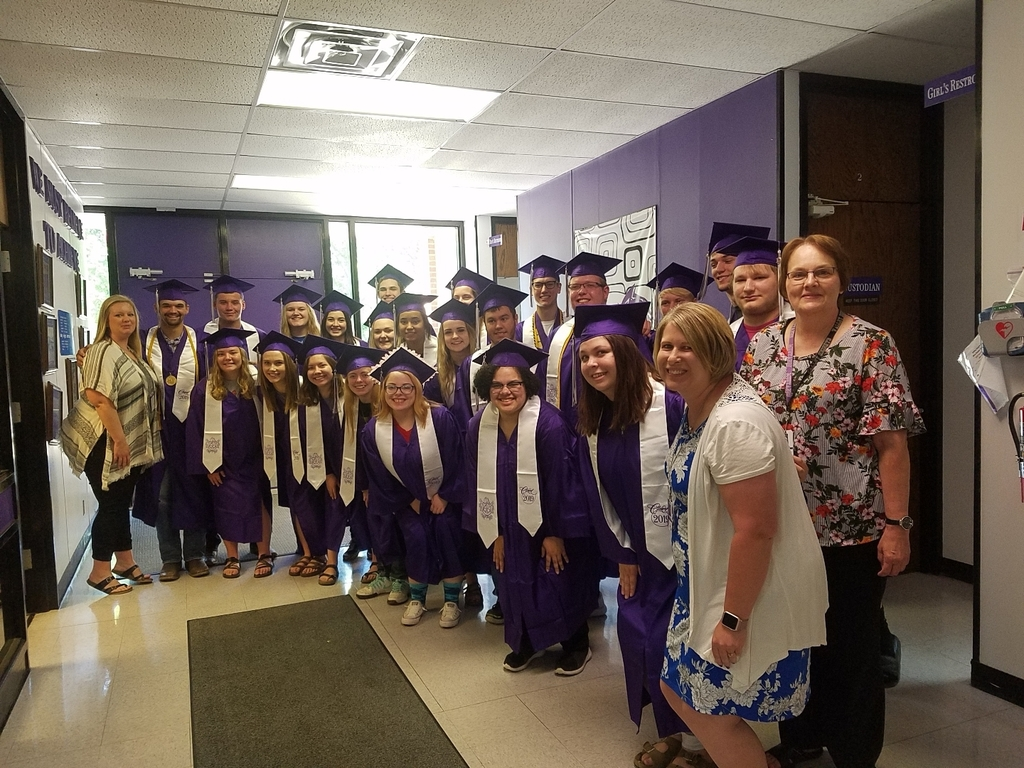 The Valley Heights Class of 2019 with their grade school teachers