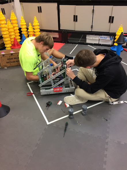 Large_robotics_team